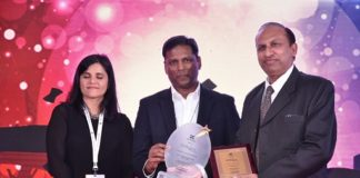 """Acer India Bags """"The Best Customer Service Initiative"""" Award at The Customer Fest Show 2017"""